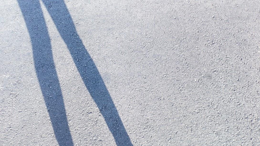 Sombras de piernas, cuento sobre una rutina